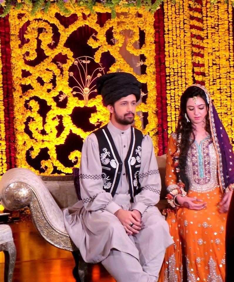 Atif Aslam and Sara Bharwana Mehndi's Coverage Photos ...