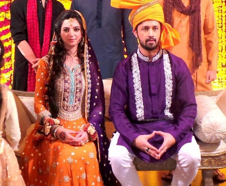 Atif Aslam and Sara Bharwana Completed Mehndi