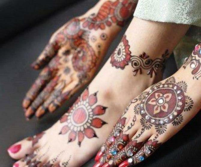 Glitter Mehndi Designs for Girls and women