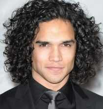 latest hair style long curly hairs for man fashion 2013