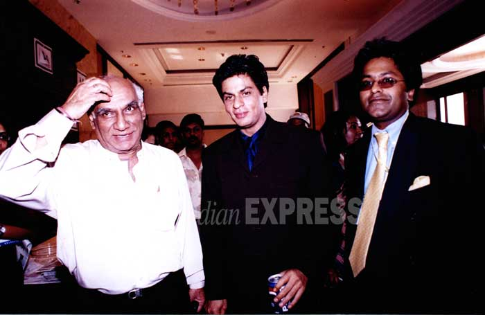 There are some unseen photos of Shahrukh khan
