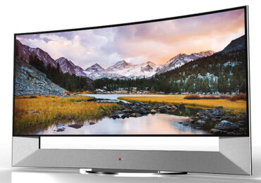 LG Unveils New Curved Screen 105-inch UHD LED Tv